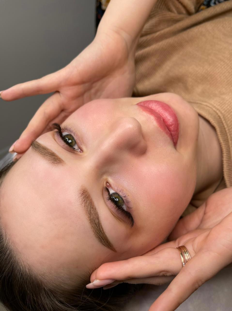 Augenbrauen Permanent Make-up in Offenburg